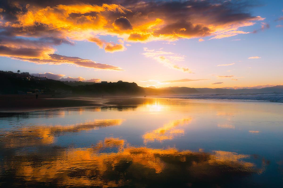 Atxabiribil se conoce como El Peñón y es una zona de mucho oleaje (iStock).