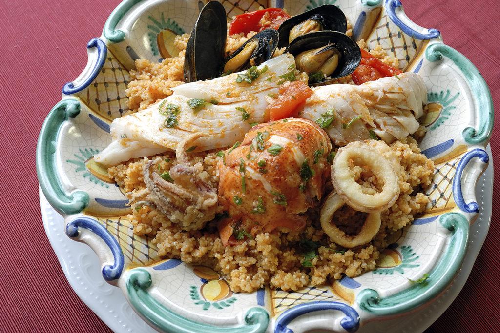 La influencia árabe en Sicilia ha convertido al cuscús de pescado en un plato típico de la isla