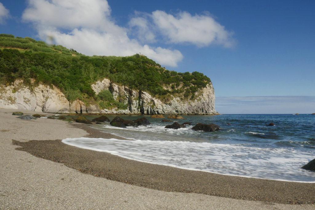 Praia dos Moinhos, una de las playas más espectaculares de la isla de San Miguel