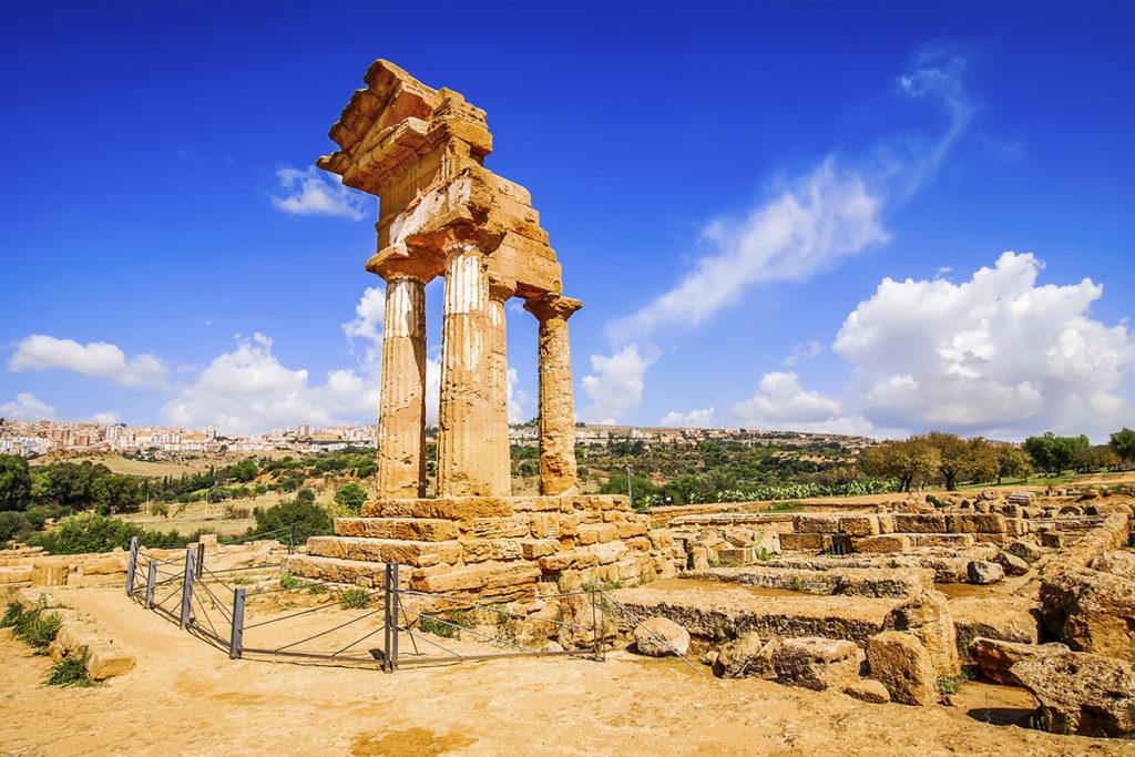 Valle de los templos de Agrigento (istock).