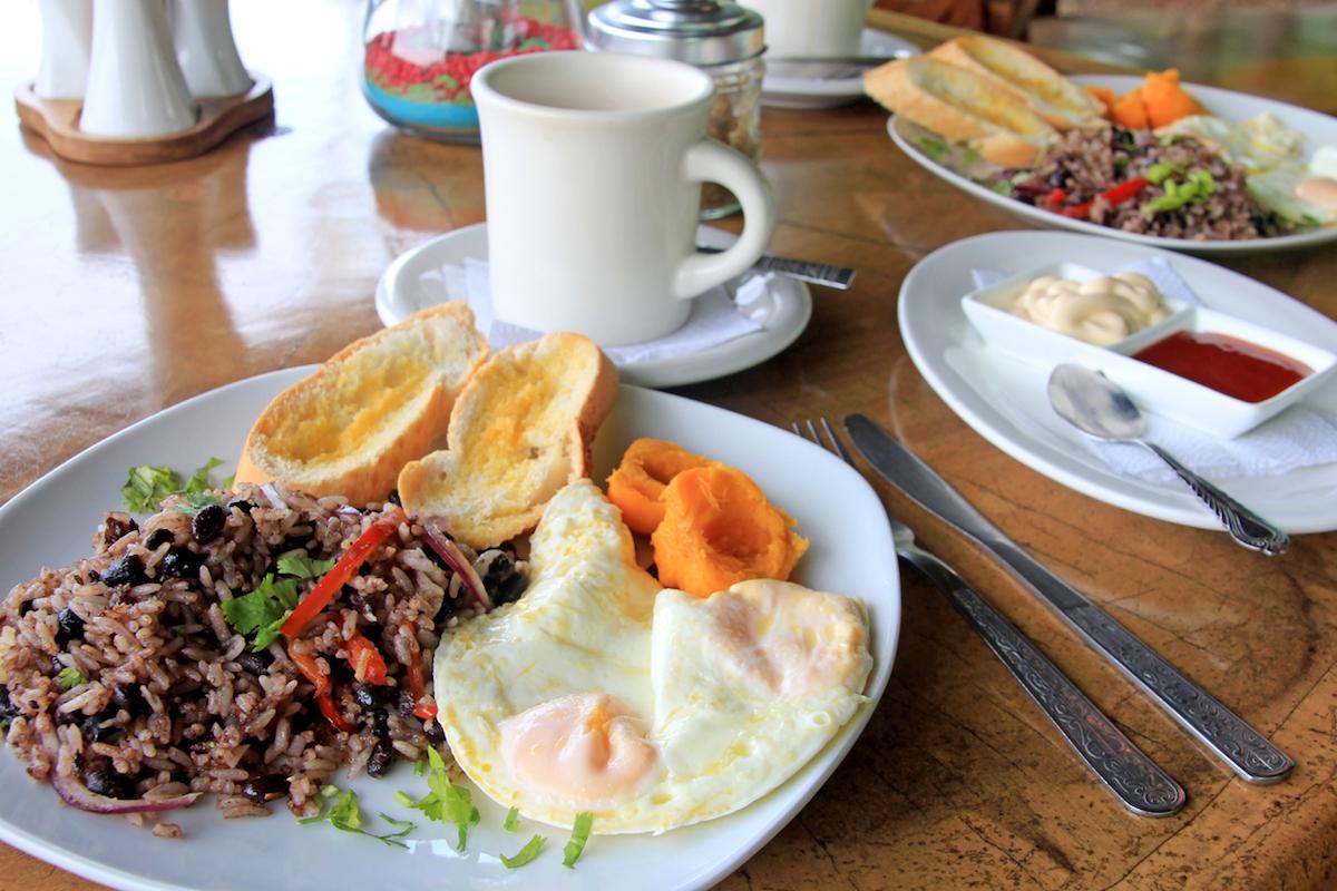 El gallo pinto, el desayuno tradicional en Costa Rica (iStock).