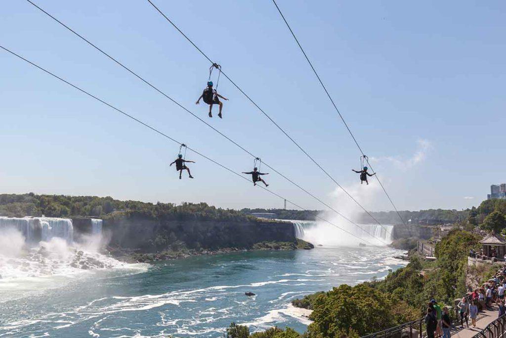 Unos 15 millones de turistas visitan cada año las Cataratas del Niágara (iStock)