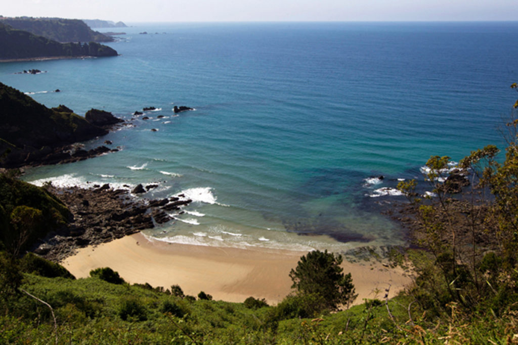 En los Muros de Nalón hay uno de los acantilados más hermosos de Asturias (www.turismoasturias.es)