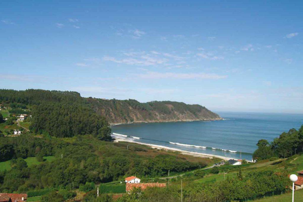 La playa de la Concha de Artedo tiene bandera azul (turismoasturias.es)