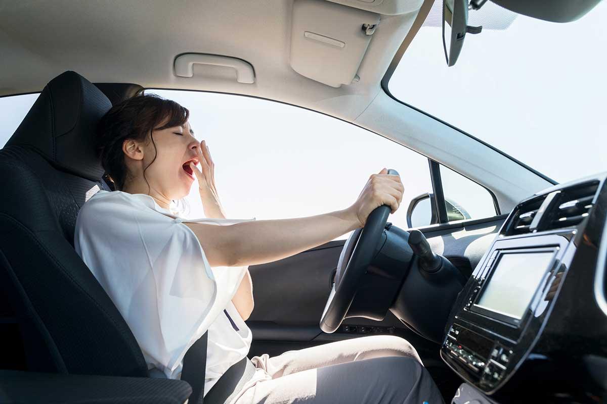 No deberíamos ponernos al volante sin haber descansado las horas suficientes la noche anterior (iStock)