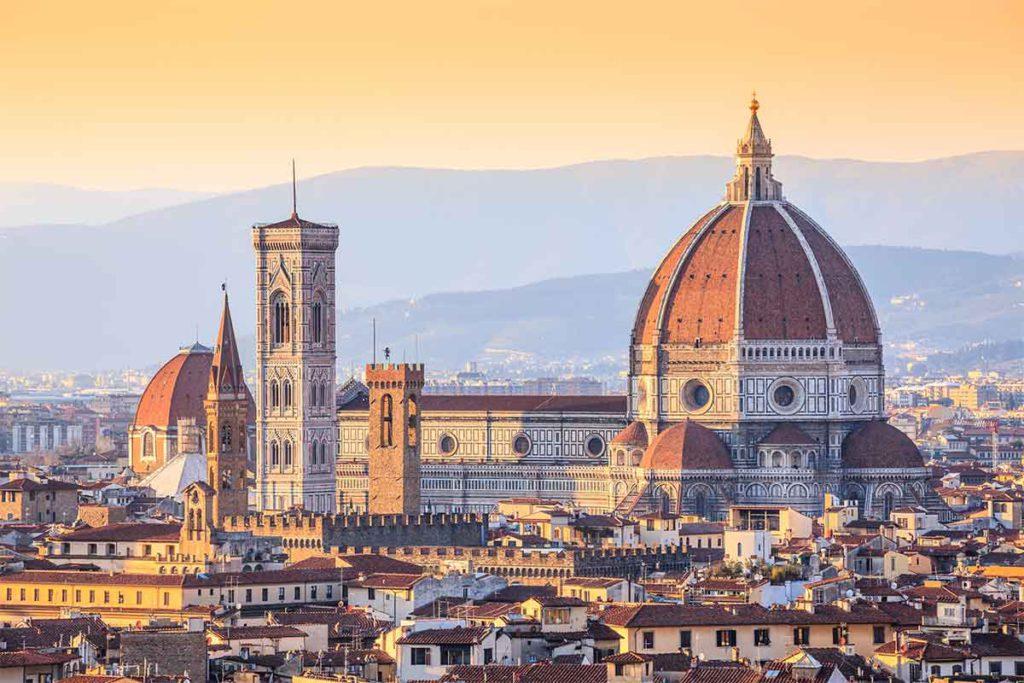 La Catedral de Florencia es, en gran parte, gótica y, en ella, destaca la cúpula de Brunelleschi (iStock)