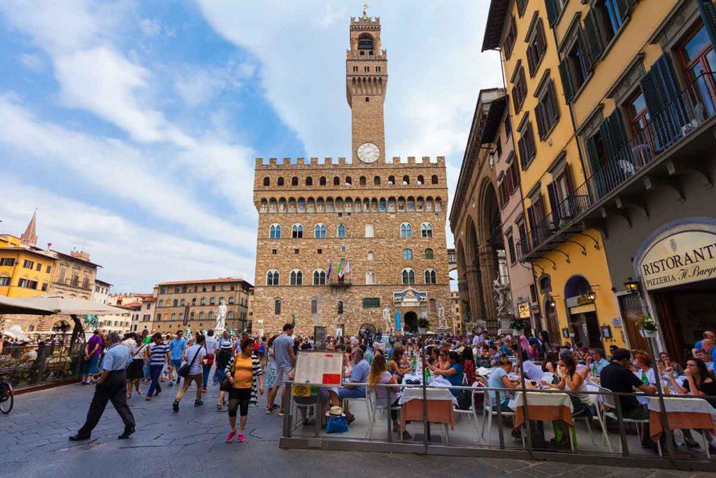 La piazza della Signoria es una de las más animadas de la ciudad (iStock)