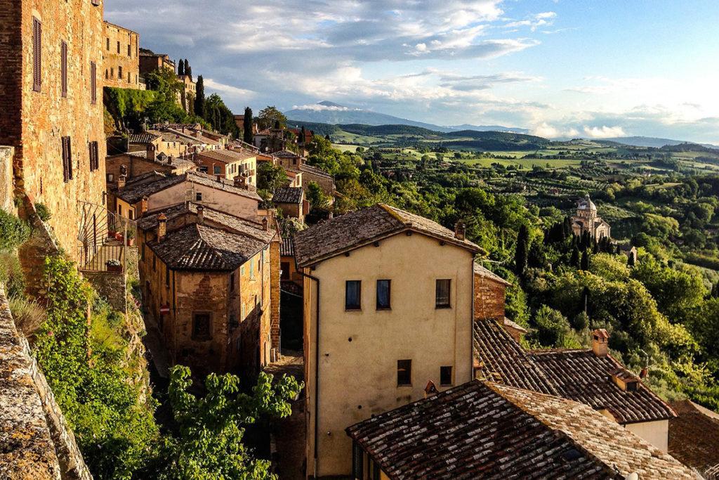 También vale la pena visitar las localizaciones de películas famosas, como Montepulciano (Pixabay)