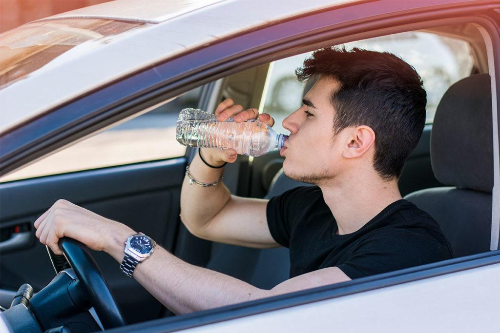 La falta de hidratación puede provocar pérdida de atención (iStock)
