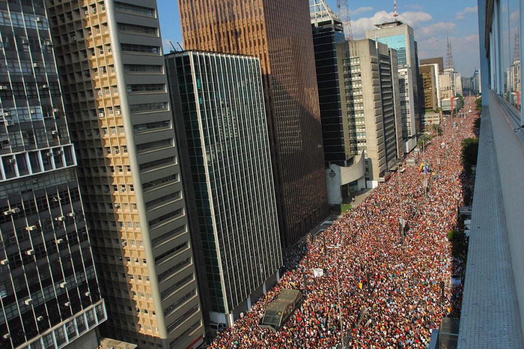 Más de 3 millones de personas desfilaron por la avenida Paulista de Sao Paulo (iStock)