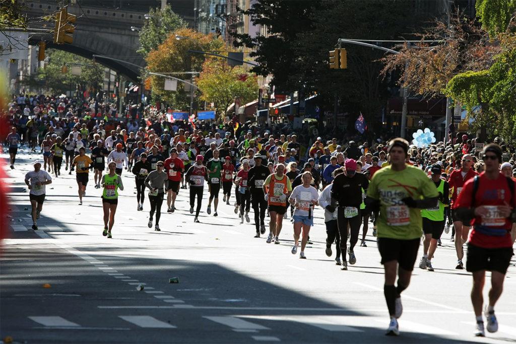 El primer Maratón de Nueva York se celebró en 1970 con 127 participantes, actualmente corren más de 50.000 (iStock)