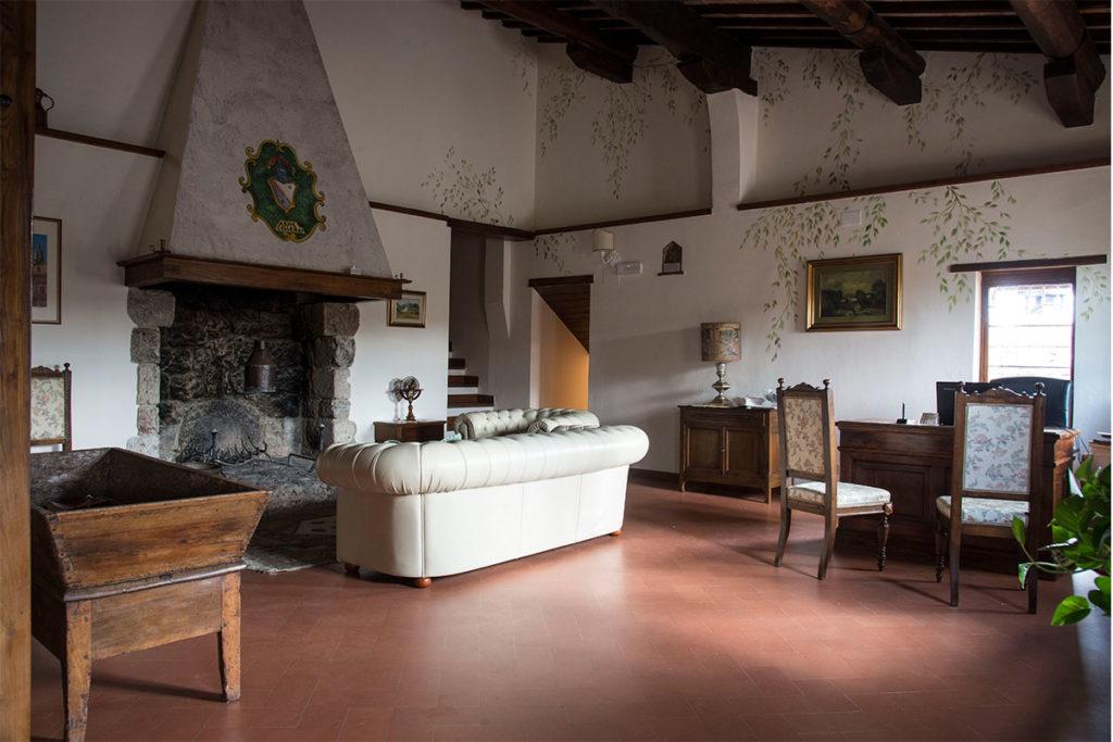 En las inmediaciones del Castillo de Monterriggioni está el Casalta Boutique Hotel (casaltahotel.com)