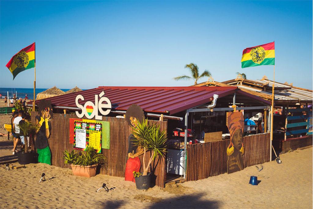 En El Grao de Castellón está el Solé Rototom Reggae Beach (Facebook: @solerototombeach)