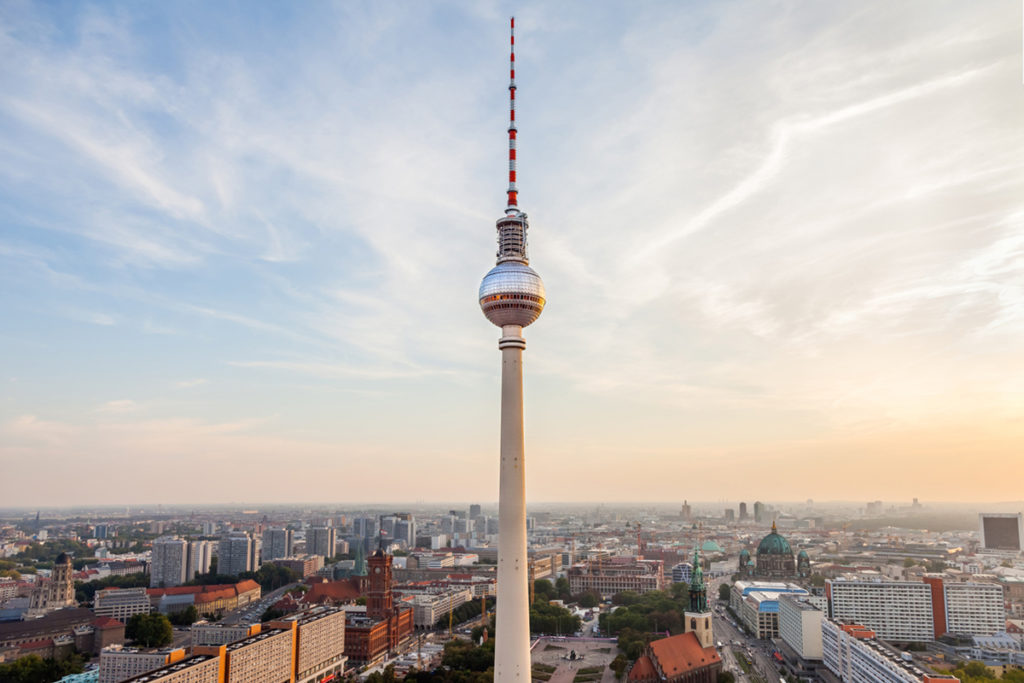 Subir a la torre de la Televisión de Alexanderplatz (iStock)