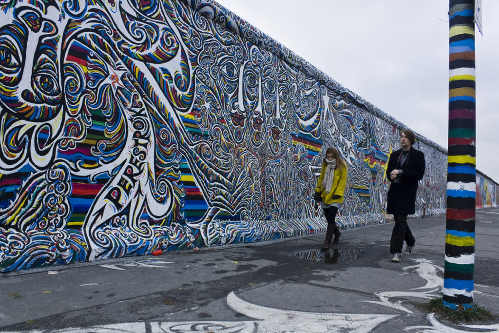 Buscar lo que queda del Muro de Berlín (iStock)
