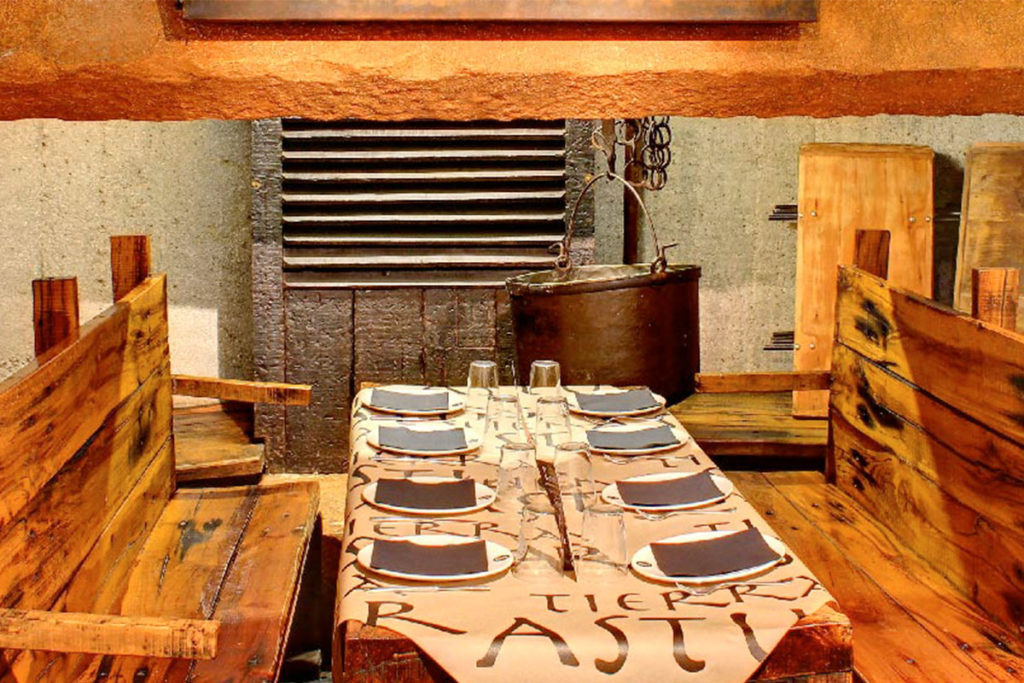 Tierra Astur tiene uno de sus restaurantes en la calle Gascona de Oviedo (tierra-astur.com)