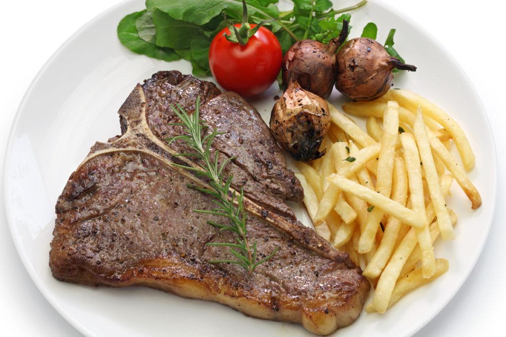 La famosa 'bistecca alla Fiorentina' (iStock)
