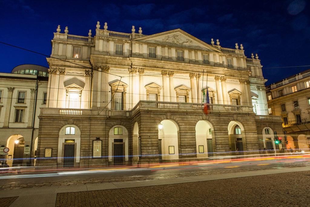 La Scala es uno de los monumentos que debes ver en Milán (iStock)