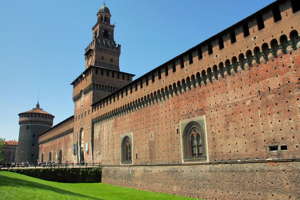 El Castillo Sforzesco fue fortaleza defensiva, palacio ducal y cuartel militar (iStock)